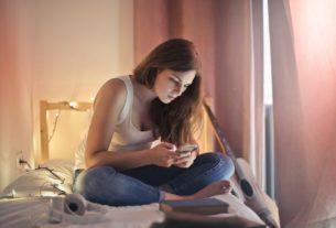 women on phone