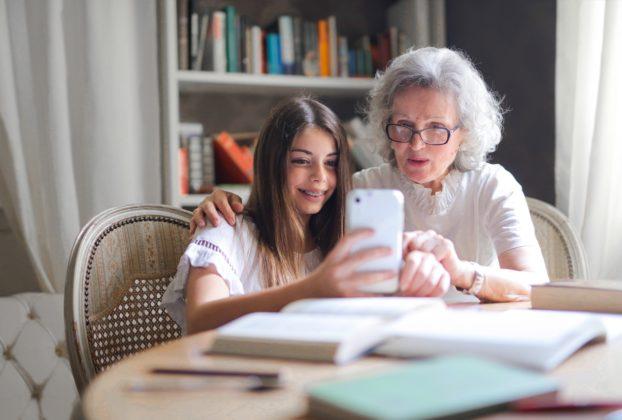 5 Ways To Strengthen Grandparent-Grandchild Bond