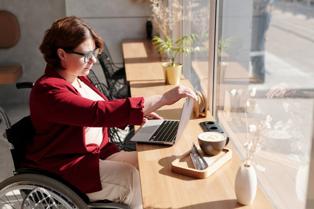 How To Survive The Online Dating Scene: Tips for Disabled Singles