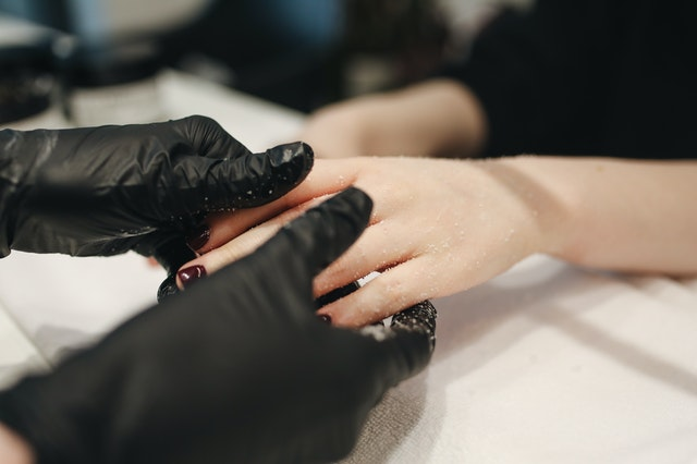 How to Start Working in The Beauty Industry