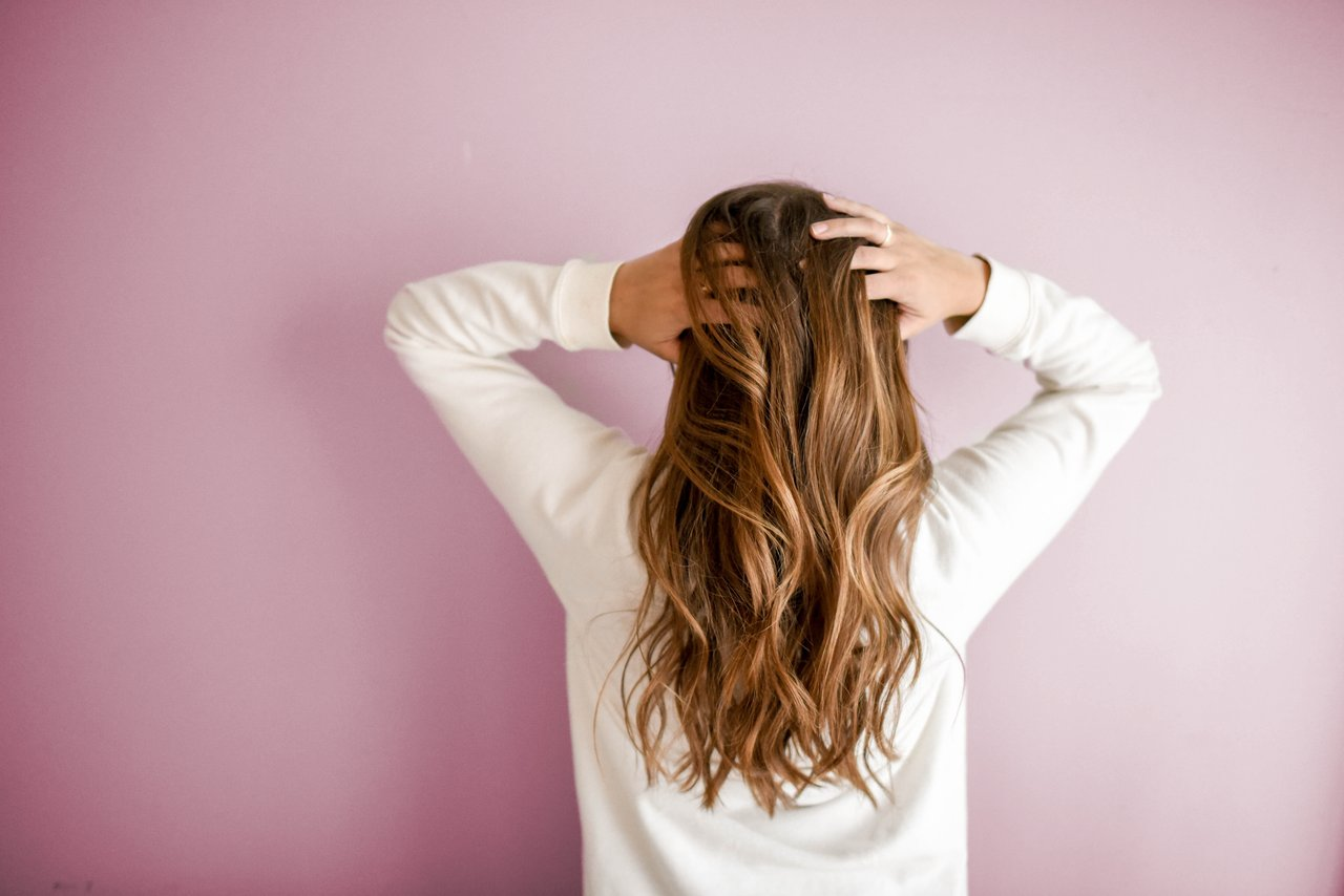How to Make Your Hair Look Great for a First Date