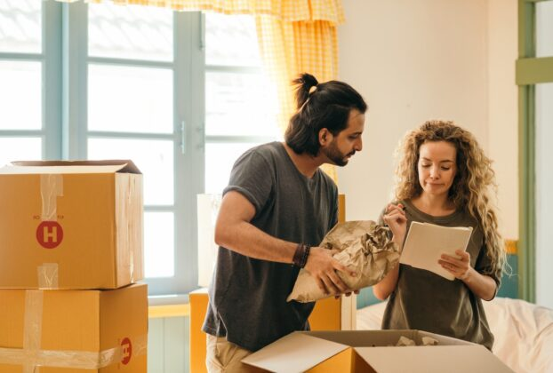 Couples Guide to Moving